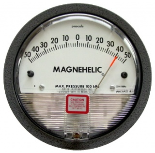 Dwyer Magnehelic Series 2000